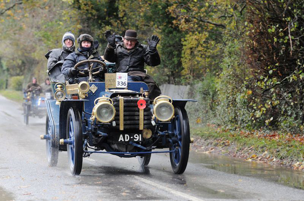 November 2012 : London to Brighton Veteran Car Run