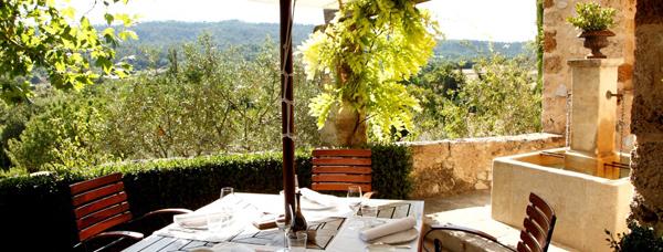 luxury-hotels-cote-dazur-bastide-de-moustiers-terrace2