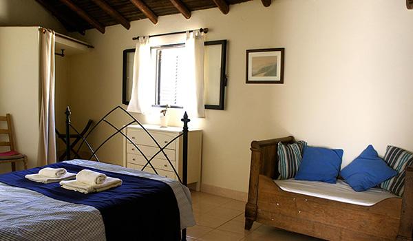 Room 600-350