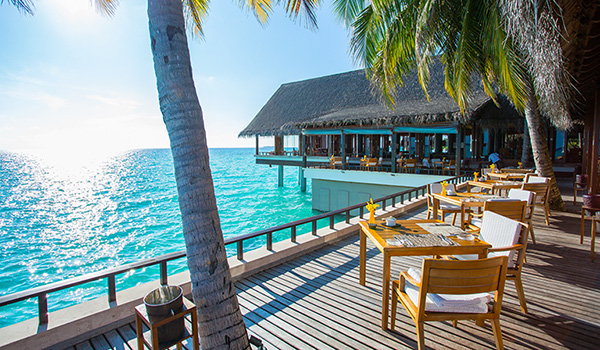 fitness-on-toast-faya-blog-girl-healthy-workout-new-year-reethi-rah-one-only-luxury-maldives-travel-active-escape600-305