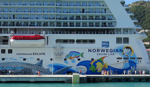 norwegian-escape-aft-close600-350