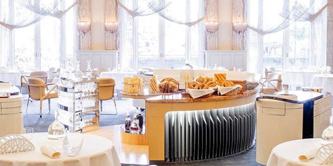 gastronomicheskij-restoran-le-louis-xv