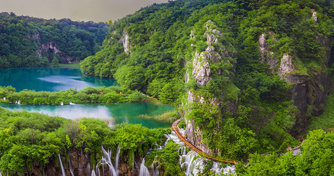 ekskursiya-v-nacionalnyj-park-plitvickie-ozera